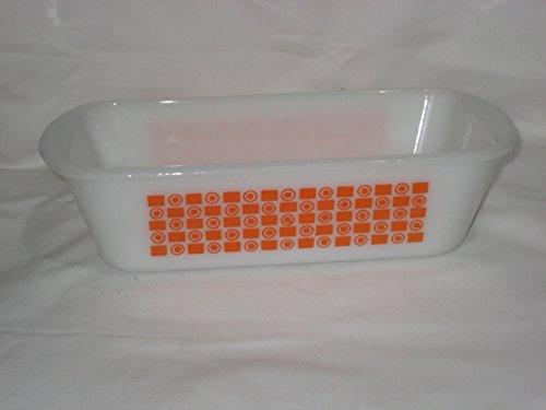 Vintage Glasbake White Milk Glass Orange Square Circle Pattern 1 12 Quart Loaf Baking Pan 522 USA