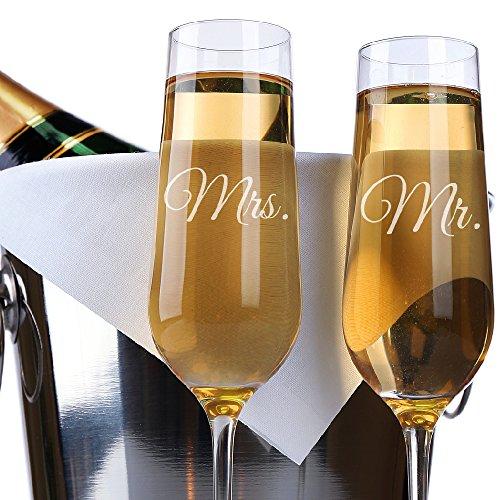 P Lab Set of 2 Elegant Mr Mrs Personalized Wedding Toast Champagne Flute Set Wedding Toasting Glasses - Etched Flutes for Bride Groom Customized Wedding Gift N11