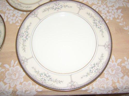 Noritake Bone China Churchill Pattern Dinner Plate